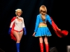 Supergirl croise la route de Power Girl...